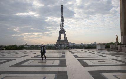 """Противоречивый документ: во Франции после массовых протестов смягчили закон о """"санитарных пропусках"""""""