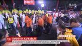 У Бразилії під час карнавалу у натовп врізалася одна з платформ