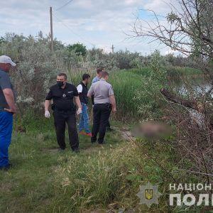 Посварилися через телевізор: в Миколаєві чоловік вбив власного батька і викинув тіло у річку