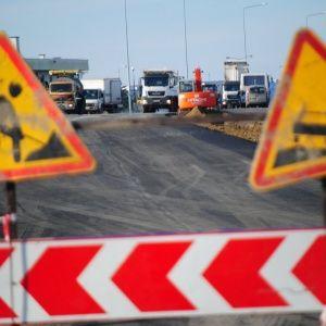 Экс-чиновник Кабмина рассказал печальную правду, как исчезают миллиарды от автовладельцев на дороги
