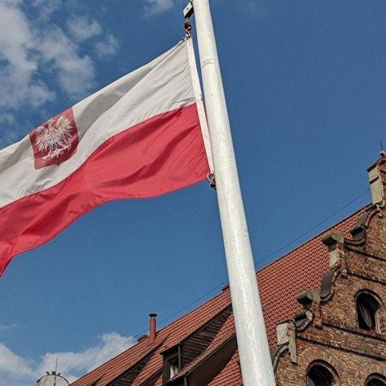 Польща змінила умови в'їзду для авіамандрівників: як потрапити до країни