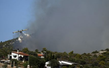 Руйнівні пожежі в Греції: підозрюваних у підпалах поблизу Афін затримали