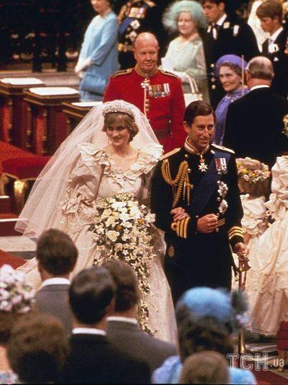 Принцесса Диана и принц Чарльз, свадьба 29 июля 1981 года / © Associated Press