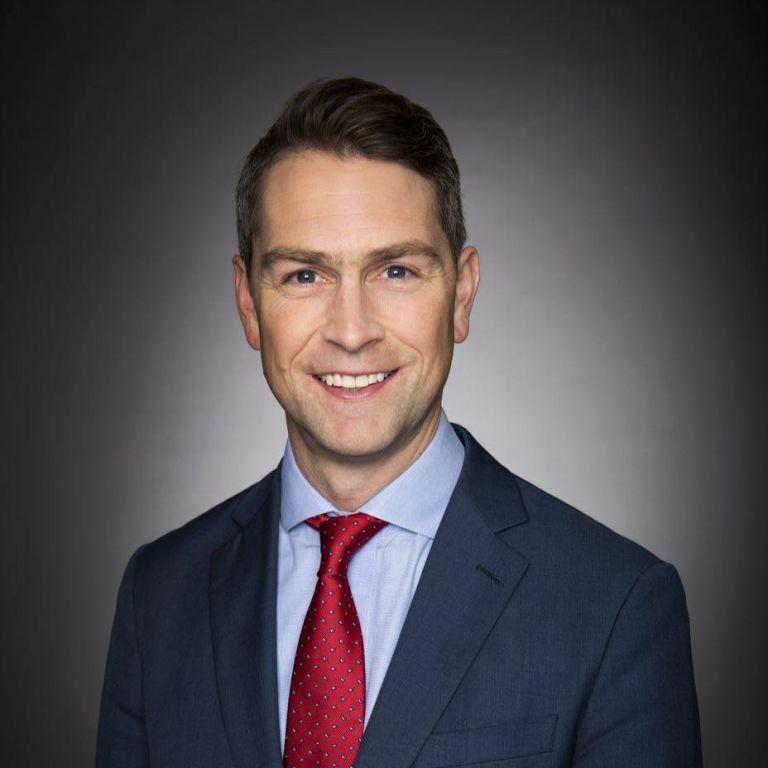 У Канаді оголений депутат помочився у чашку під час онлайн-засідання парламенту