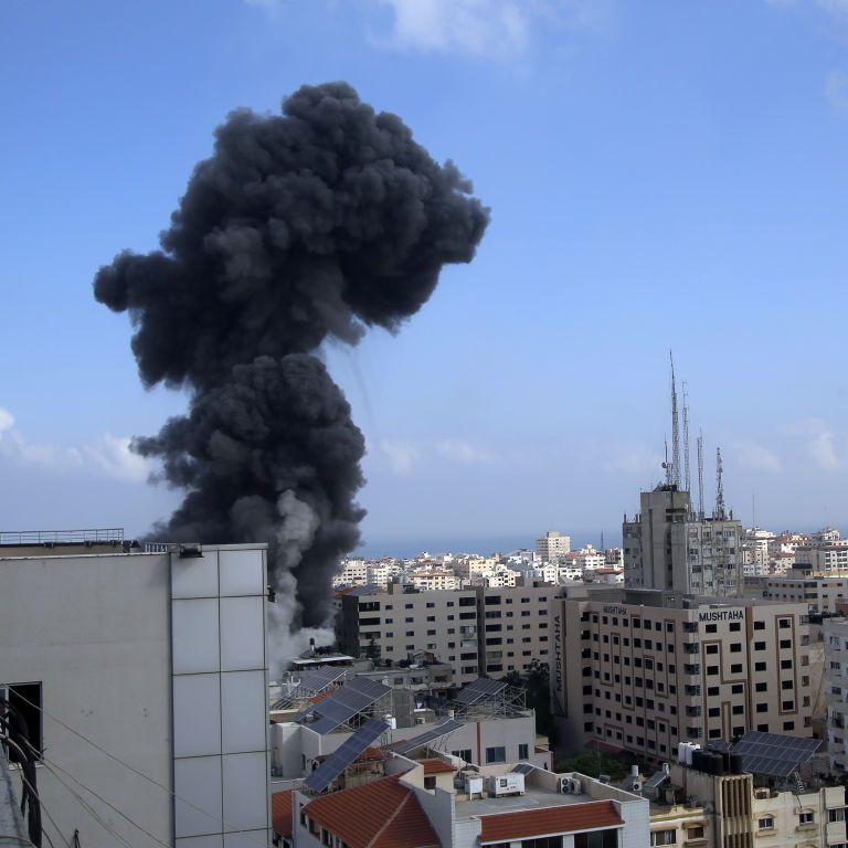 Запуск SpaceX нових супутників та потужні обстріли Ізраїлю та Сектора Гази. П'ять новин, які ви могли проспати