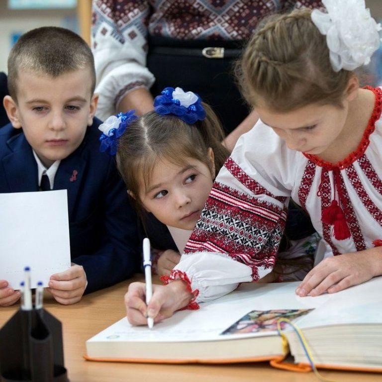 Киянам пояснили, коли і як відновиться зарахування дітей до шкіл і садочків