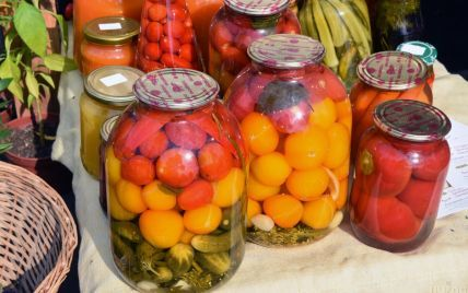 Квасить, консервировать или замораживать: как заготовить вкусные и витаминные запасы на зиму