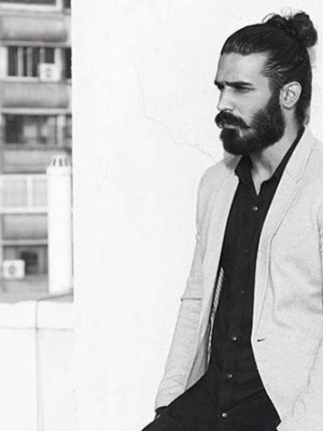 Мужчины с пучком на голове / © Инстаграм