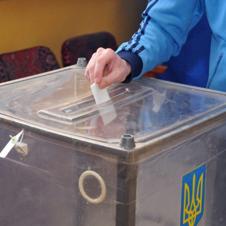 В Україні – гаряча фаза виборчої кампанії: хто рветься до влади, які нововведення та до чого слід готуватися
