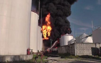 Крупный пожар на нефтебазе под Васильковом. Интерактивная карта