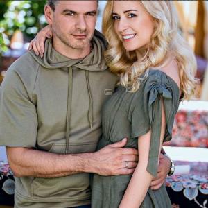 Арсен Мирзоян и Тоня Матвиенко снялись в семейной фотосессии и впервые показали дочь