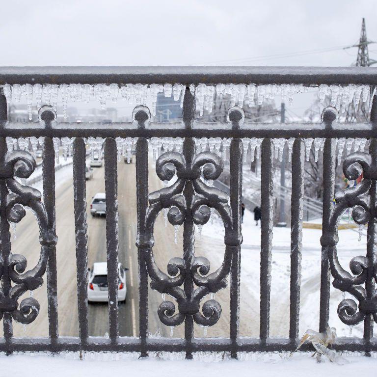 Четвертий день поспіль Харків потерпає від ожеледиці: яка ситуація в місті