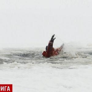 На Николаевщине женщина бросилась в воду, чтобы спасти двух детей из-подо льда