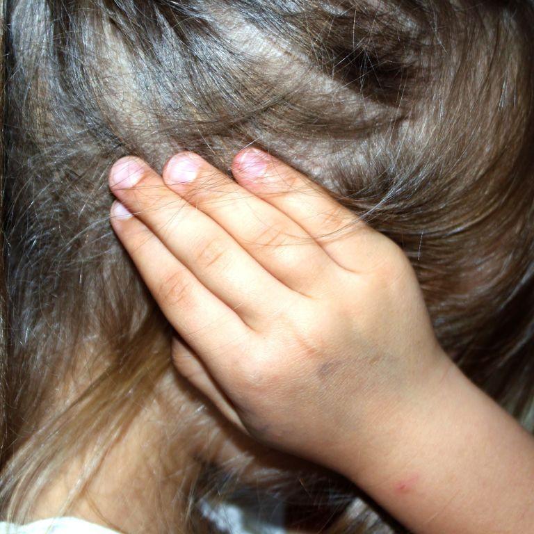 На Запоріжжі неповнолітній хлопець неодноразово ґвалтував дитину