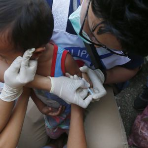 Пандемія коронавірусу та планова вакцинація: що радить ВООЗ