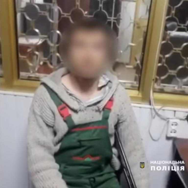Под Киевом 30-летний мужчина развращал пятилетнюю племянницу: видео