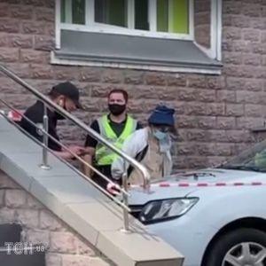 Вимагала 15 тисяч гривень із іграшковим пістолетом: подробиці пограбування банку в Києві