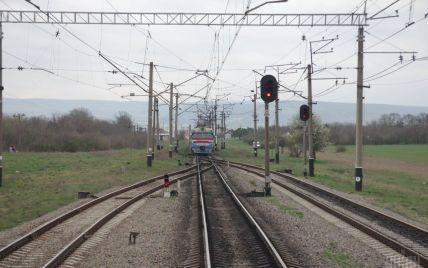 """Сколько денег потратят и когда завершат: Кабмин одобрил проект железной дороги из Киева в """"Борисполь"""""""