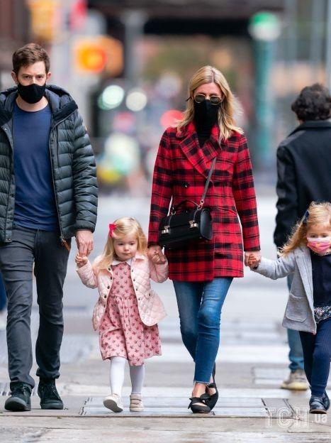 Нікі Гілтон-Ротшильд з родиною / © Getty Images