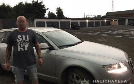 Заснул с новой знакомой, а проснулся без авто: в Ужгороде женщина ограбила иностранца (фото, видео)