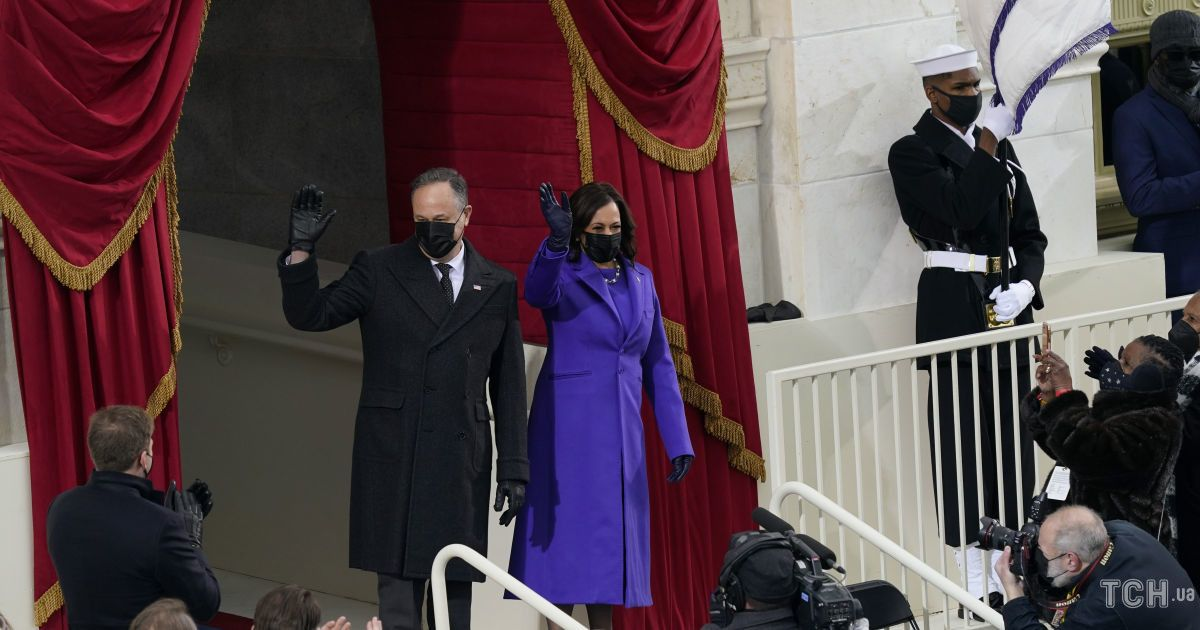 Камала Харрис и Дуг Эмхофф / © Associated Press