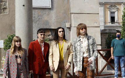 """У яскравих костюмах від Gucci: переможці """"Євробачення"""" Maneskin отримали нагороду в Римі"""