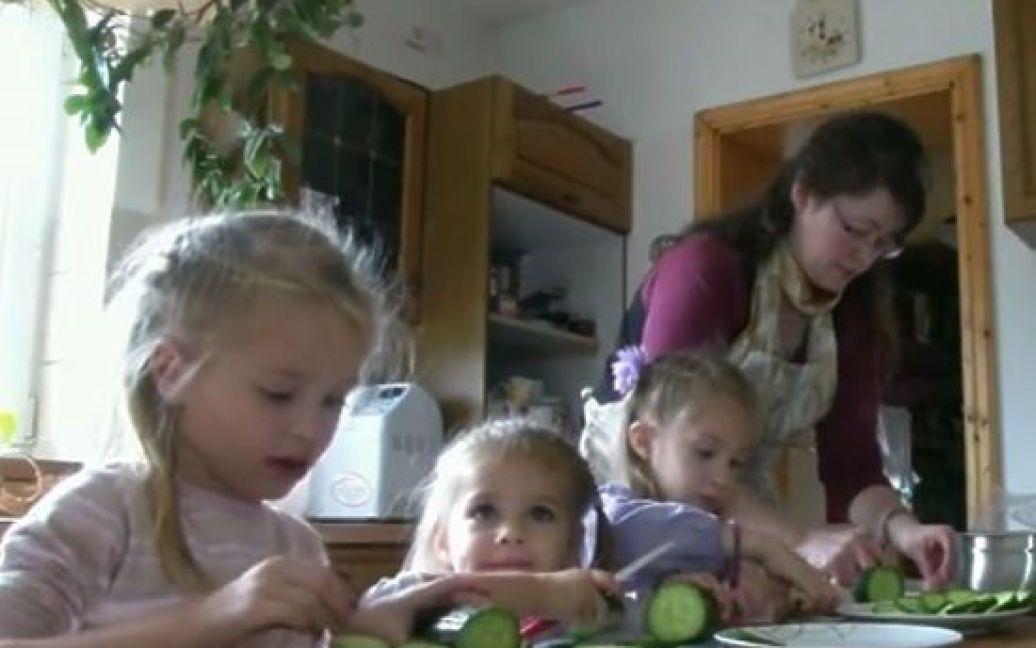 Дружині Євгена, Луїзі, і їхній старшій дочці, на яких були всі молодші діти, довелося в Сибіру несолодко. / ©