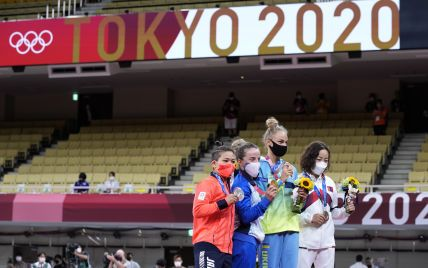 """""""Дівчата в українському прапорі - це сексуально"""": реакція соцмереж на першу медаль України на Олімпіаді-2020 у Токіо"""