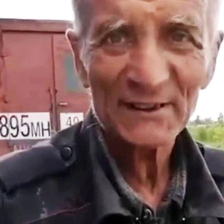 Без грошей і з сімома собаками: 70-річний житель Магадана біжить з Колими у Донецьк до родичів