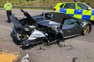 У Великій Британії Lamborghini розбили за 20 хвилин після виїзду з автосалону