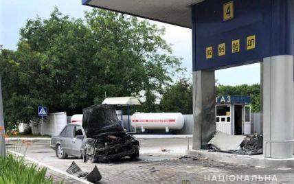 Насмерть сбил женщину и врезался в заправку: в Киевской области водитель под наркотиками совершил масштабное ДТП (фото)