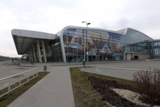 Львівський аеропорт відновив роботи після загрози вибуху від підозрілої сумки