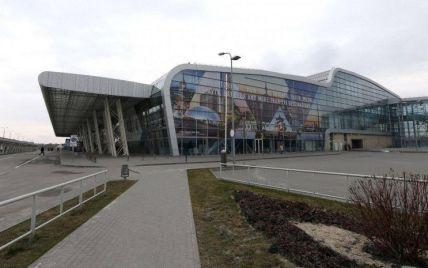 Львовский аэропорт возобновил работу после угрозы взрыва от подозрительной сумки