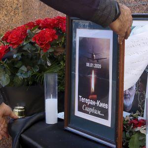 Цинічний та маніпулятивний: МЗС розкритикувало звіт Ірану про авіакатастрофу літака МАУ