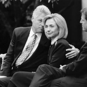 30 кроків вперед: як 1998 рік запам'ятався українцям імпічментом Клінтона, дефолтом у Росії і трагедією на Закарпатті