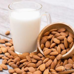 Как приготовить миндальное молоко дома: рецепт от Андрея Величко