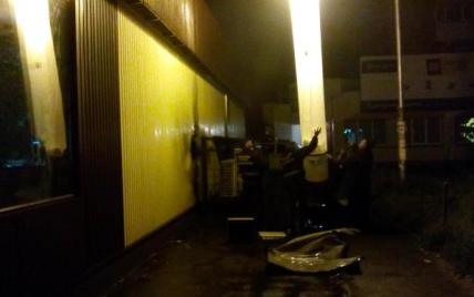 Около Roshen появились огромные фонари и глава столичной милиции