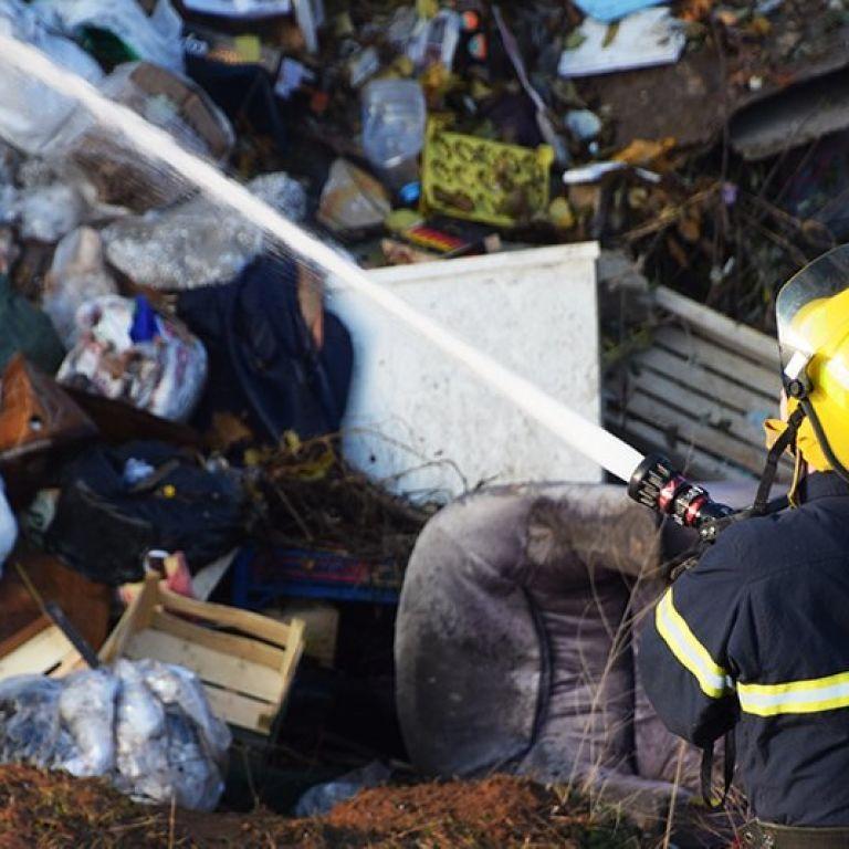 У Рівному сталася пожежа на території сміттєпереробного заводу