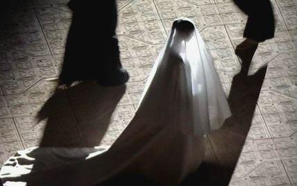 У кутюрному вбранні від Balenciaga: що відомо про нову весільну сукню Кім Кардашян
