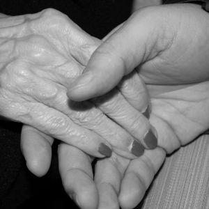 """""""Держали друг друга за руки, не веря, что выжили"""": в Днепре спасли супругов с тяжелой формой коронавируса"""