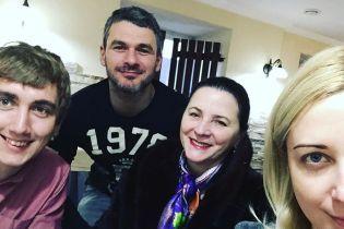 Это так трогательно: Нина Матвиенко станцевала с внучкой под игру Мирзояна