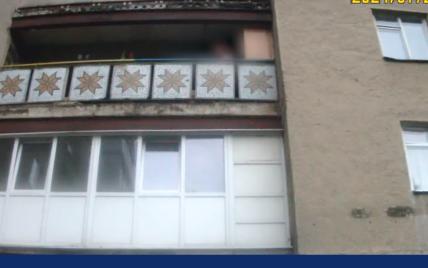 Зреагували миттєво: в Івано-Франківську патрульні врятували 19-річного хлопця, який стрибнув з балкона