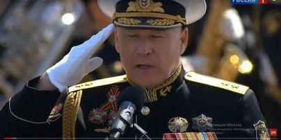 Зрадник-ексзаступник командувача ВМС ЗСУ Єлісєєв надягнув українські військові нагороди на парад у Москві