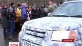 У зону АТО із Вінниччини відправили позашляховик та гуманітарну допомогу