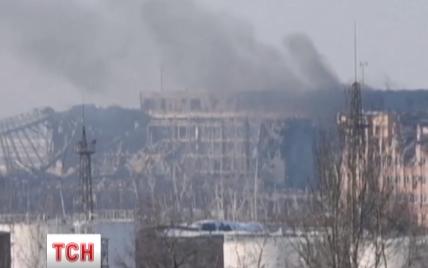 """Вранці в Донецькому аеропорту """"кіборги"""" вели жорстокі артилерійські дуелі з бойовиками – Лисенко"""