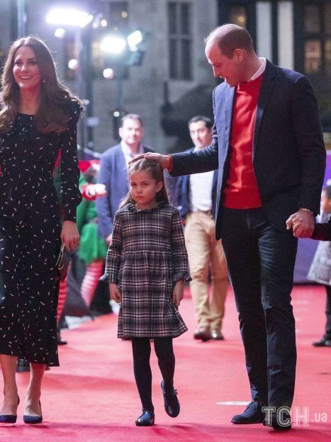 Герцогиня Кэтрин и принц Уильям с детьми / © Associated Press