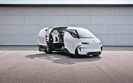 Словно капсула: Porsche представил интерьер необычного минивэна с центральным водительским сиденьем