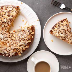Пиріг із горіхами та цукатами - рецепт простого десерту