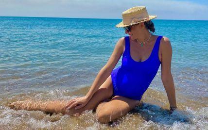 Катерина Осадча в купальнику показала чималий животик на останніх місяцях вагітності