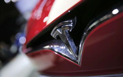 Tesla без пояснення причини зупинила поставки однієї зі своїх моделей